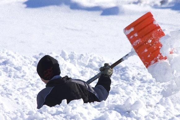 雪かき効率のいいやり方!高価な道具を使わず家にあるスコップだけでOK![未分類tags] 25